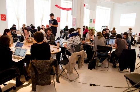 Photo of a Rails Girls workshop taken from http://www.flickr.com/photos/55023503@N07/8409387045/